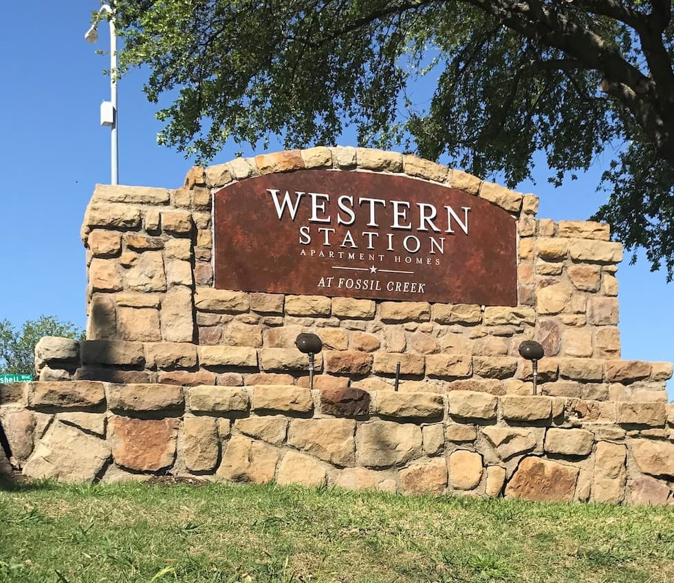 Stone sign for Western Station.